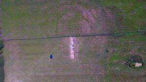 Widok z lotu ptaka na wykopaliska archeologiczne.