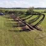 Badania archeologiczne na obiekcie obronnym w Kościukach. Widok z lotu ptaka na fortece.